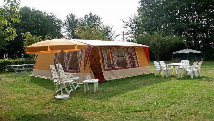 Bungalow Tent Rent a Tent Red - 3 bed, sleeps 6