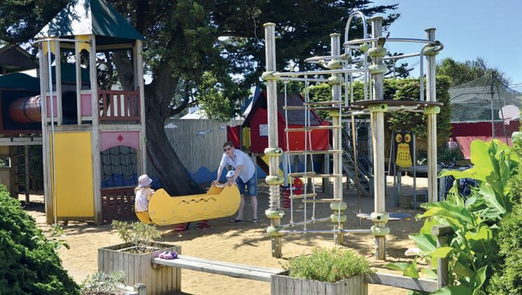 la-trinite-sur-mer-la-baie-campsite-south-brittany-play-area