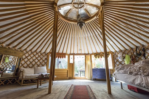 holiday-yurt-interior